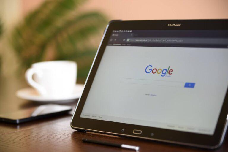 Google vigila y rastrea