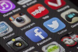 Usa la red social con cuidado protengiéndola