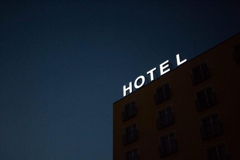 como adaptar marketing hotelero rgpd